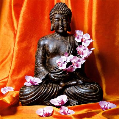 Будда с цветами