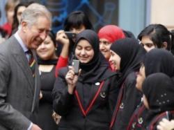 Общественность Британии обеспокоена информацией о введении в школах исламских но